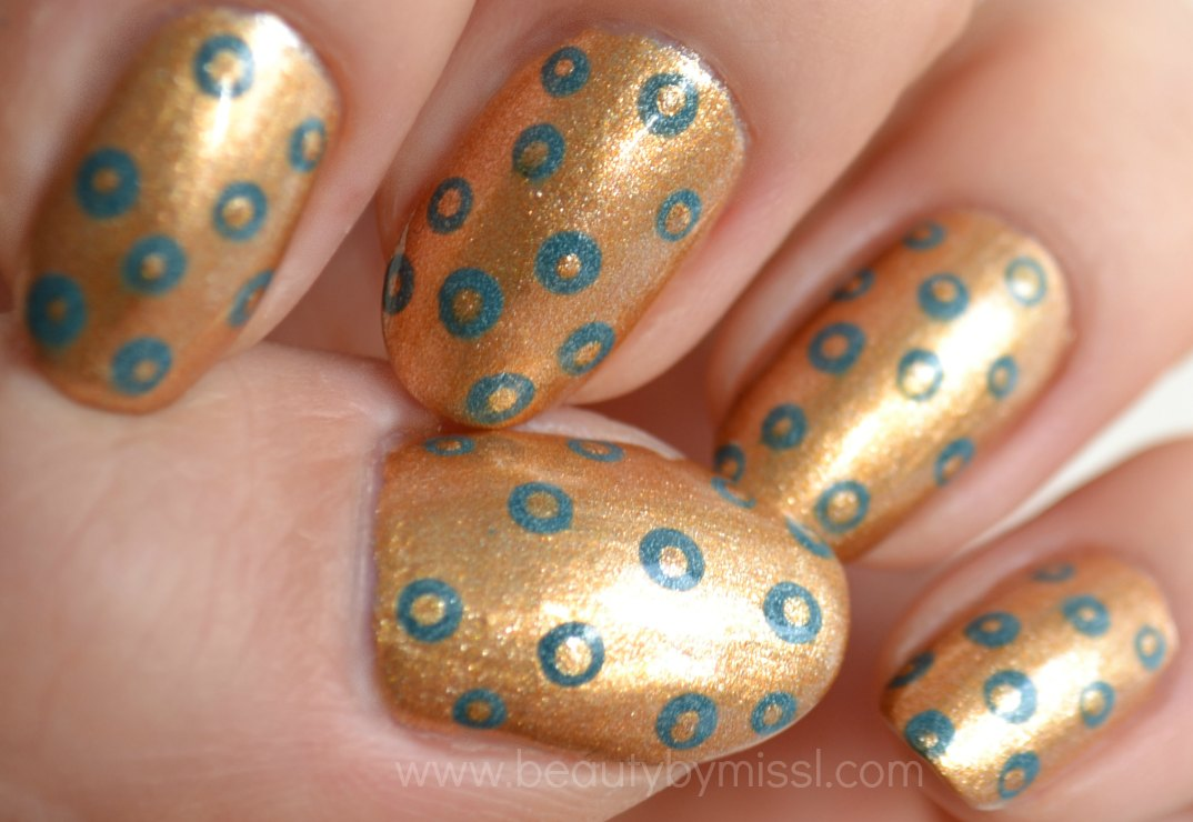 manicure, dots, golden grey nails, notd, nails of the day