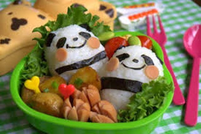 Bento yang lucu berbentuk Panda