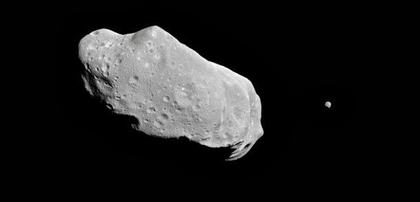 O asteróide com a sua própria Lua