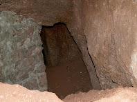 Detall de la cavitat de la mina d'aigua