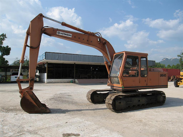 Hitachi UH045-7 Excavator SSL Heavy Machinery Ipoh