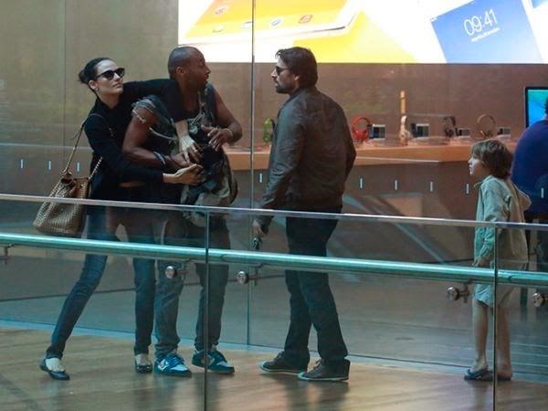 Paparazzo denuncia Murilo Rosa por agressão; ator desabafa sobre polêmica