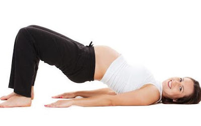 4 Gerakan Senam Hamil Yoga