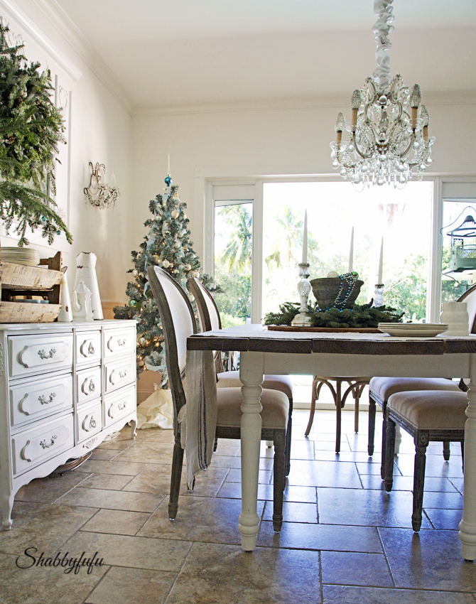 French Country Rustic Elegant Christmas Dining Room | Shabbyfufu