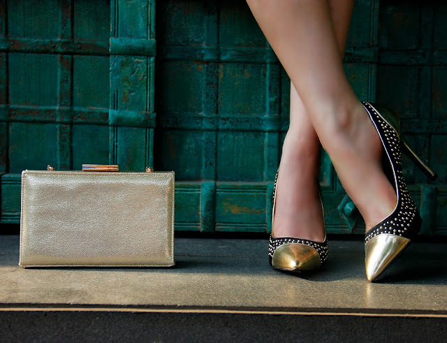 Gold Party Clutch , Black & Gold Pumps