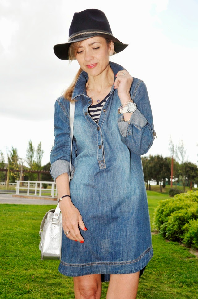 como combinar un vestido vaquero Denim dress