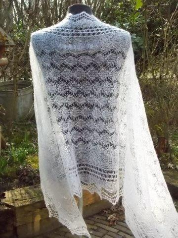 Nieuwe collectie bruidssjaals binnengekomen.