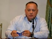 """La situación del país no es culpa de Chávez, sino de """"unos vendepatria que tienen mucha plata"""""""