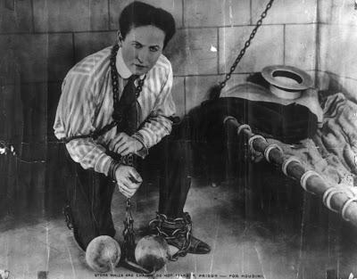 Imagen real de Harry Houdini, el famoso y genial ilusionista del que Joe Wright puede hacer un biopic. Making Of. Cine. Películas