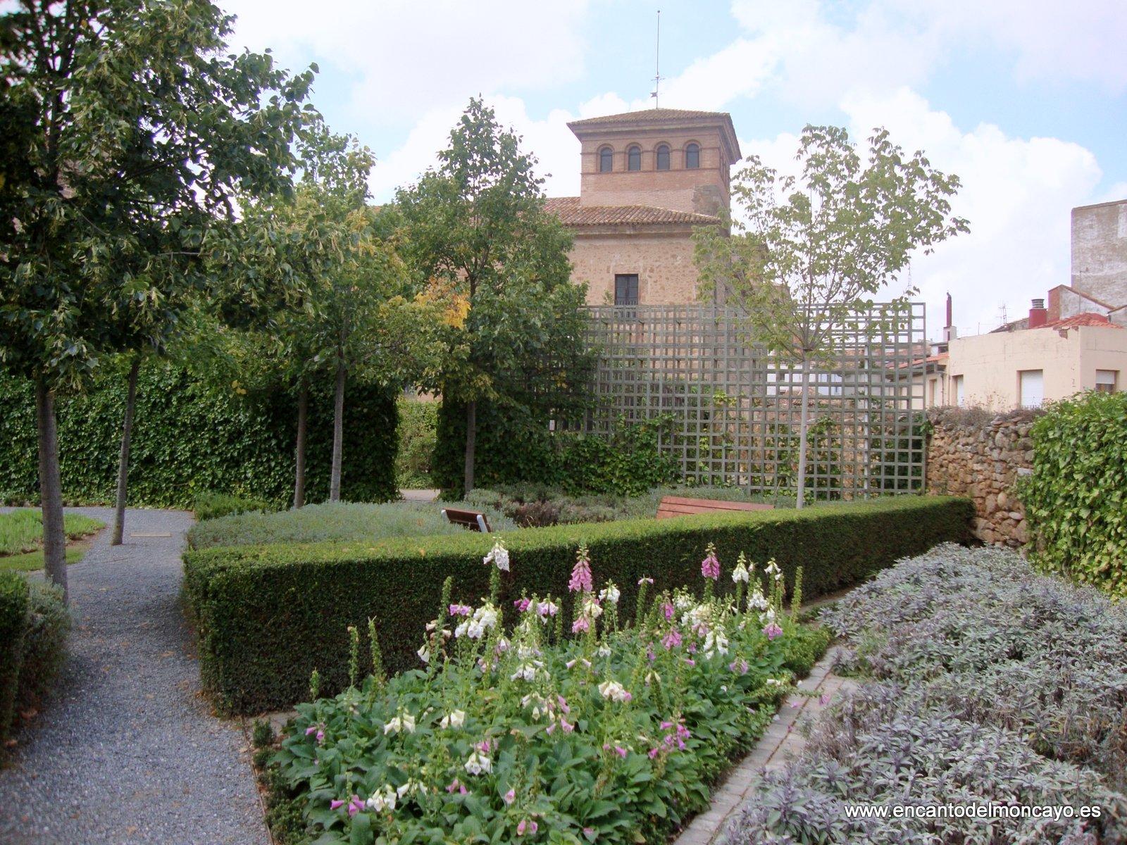 Encanto del moncayo palacio y jardines de los castejones for Jardines barrocos