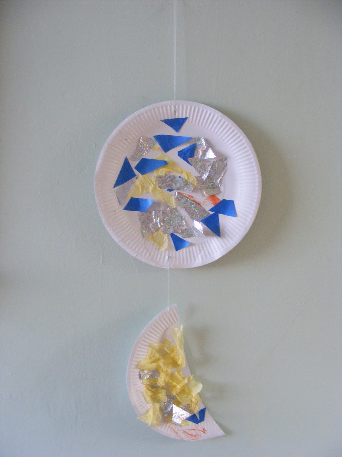 Adventures @ Play Paper Plate Activities #1 - Planet u0026 Moon Wall Hanging & Adventures @ Play: Paper Plate Activities #1 - Planet u0026 Moon Wall ...