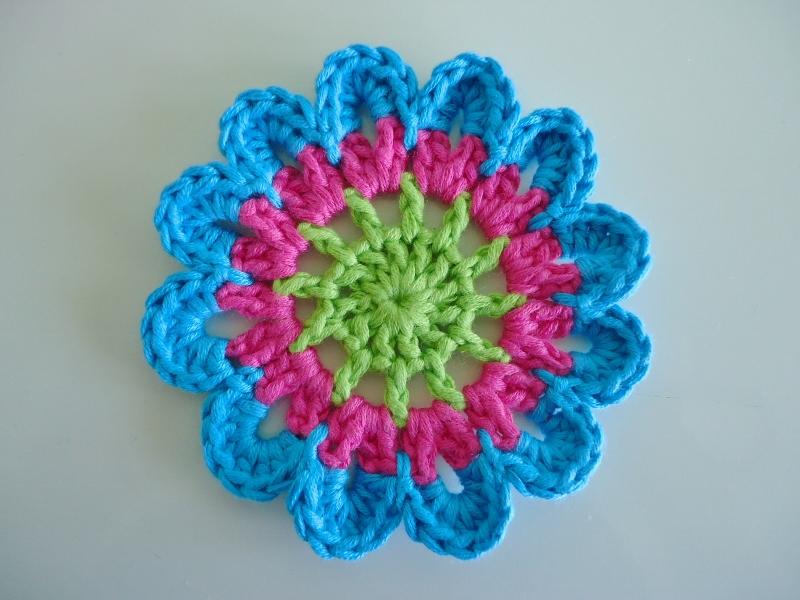 Free Pattern Crochet Japanese Flower : Dinki Dots Craft: Japanese Flower Coaster