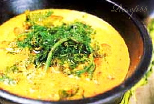 Gulai Paku (Pakis)