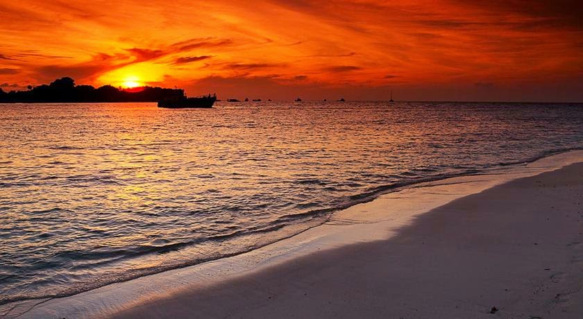 Tesoro Rasdhoo View Maldives