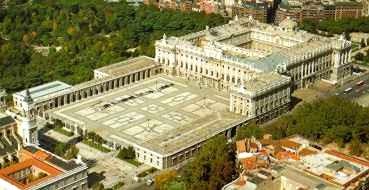 Historia del arte temas im genes y comentario palacio for Plantas de interior madrid