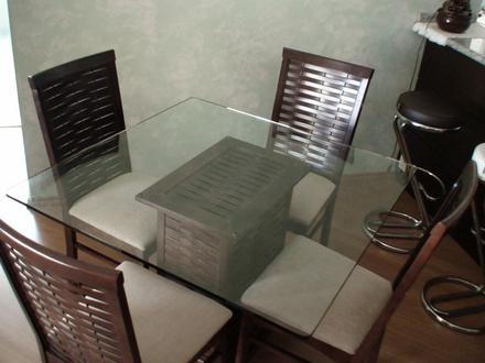 mesa de jantar 4 lugares 8