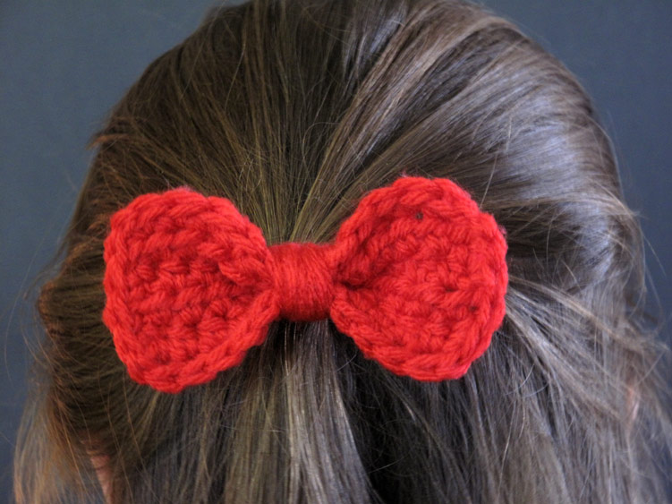 Free Crochet Hat Pattern With Bow : The Enchanted Ladybug: FREE Pattern: Crochet Bow Barrette