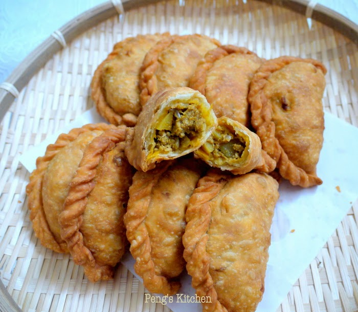 Chicken Curry Puffs Recipes — Dishmaps
