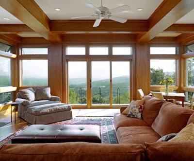 Design interior rumah kayu