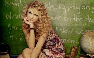 Taylor Swift - penyanyi hollywood