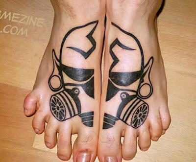 Tattoo nos pés de Máscara