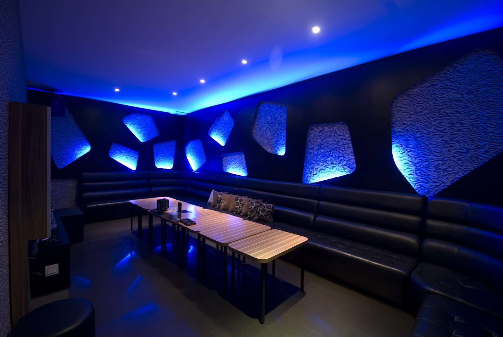 Mcdesigninc for Karaoke room design ideas