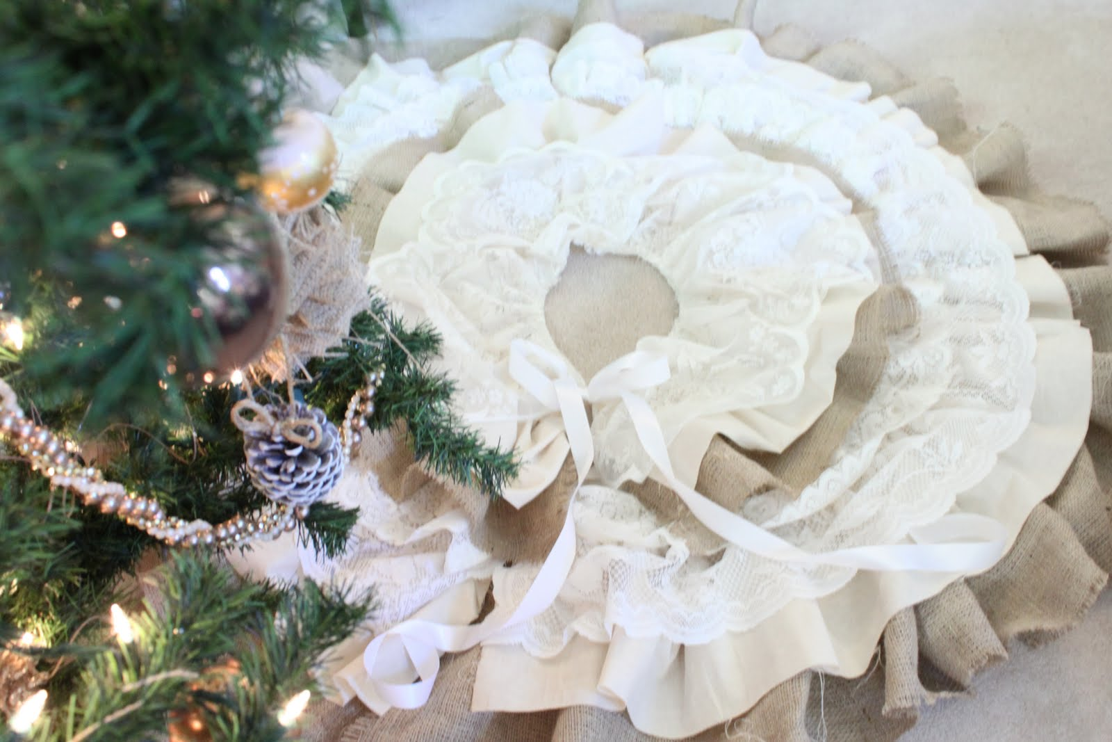 Do it yourself divas diy burlap and lace christmas tree skirt a perfect blend of lace burlap and muslin come together to create this one of a kind christmas tree skirt solutioingenieria Image collections
