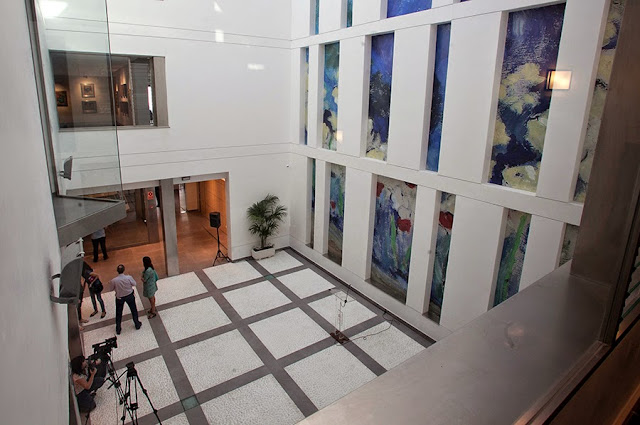 El sector del arte contemporáneo critica la apertura electoralista del Centro de Arte Rafael Botí