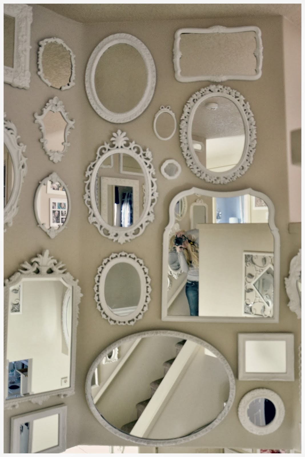 Not so shabby shabby chic mirror wall is almost - Estilo vintage decoracion ...