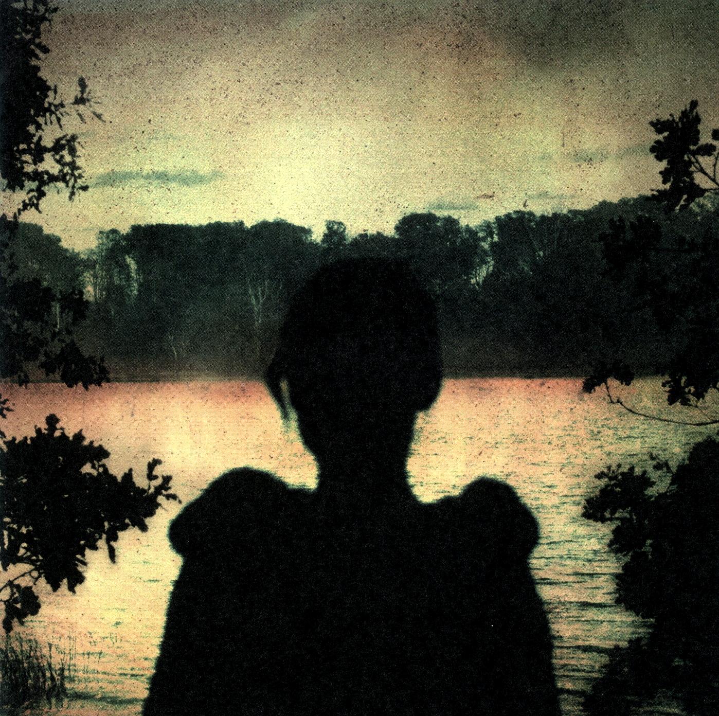 http://1.bp.blogspot.com/-J7IV2rcYFbY/TgyfLzHhPYI/AAAAAAAAAMI/BhqaFfnjVN8/s1600/Porcupine+Tree+-+Deadwing.jpg