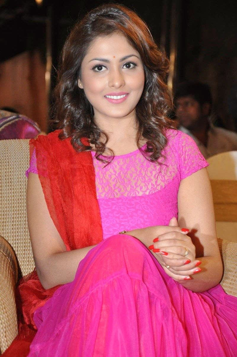 Cute MADHU SHALINI pics at audio launch