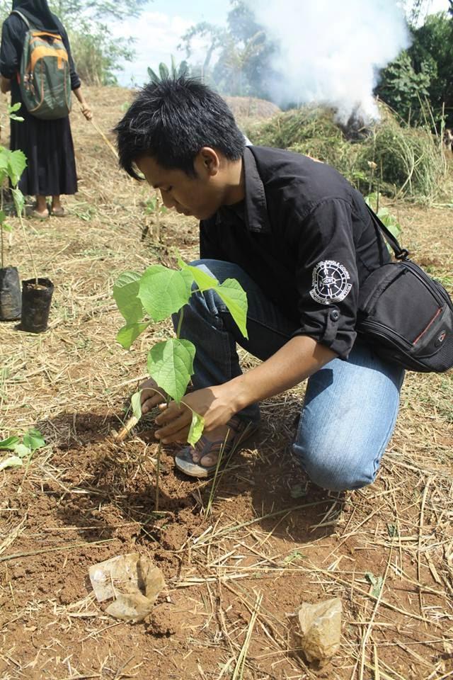 Penanaman 2000 Pohon Di Kecamatan Kawali