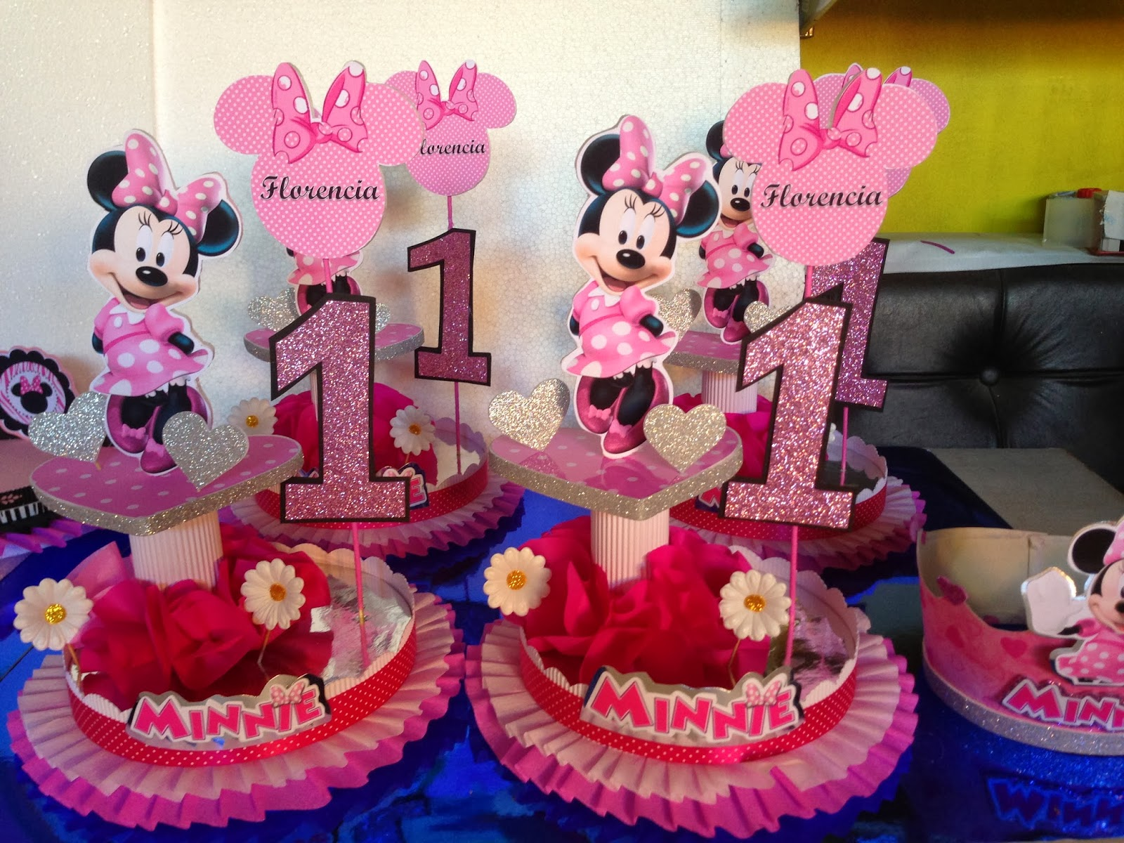 Decoraciones infantiles minnie for Mesa infantil
