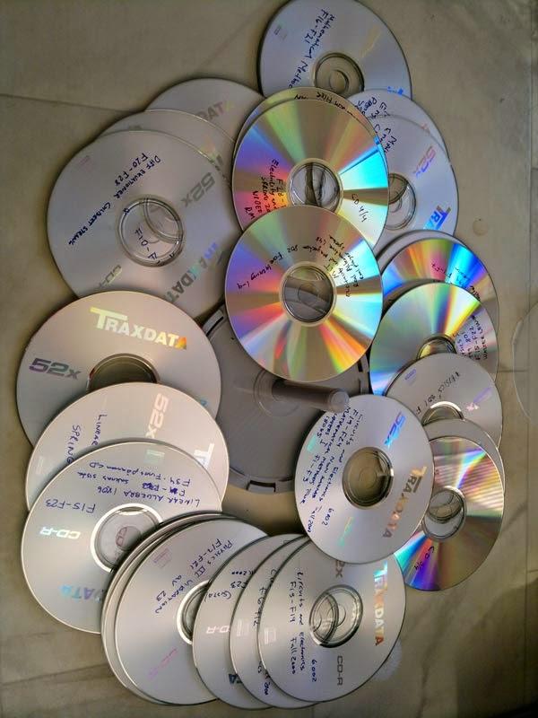 Föreläsningar i video, brända på CD-R skivor och Dvd. Bort!