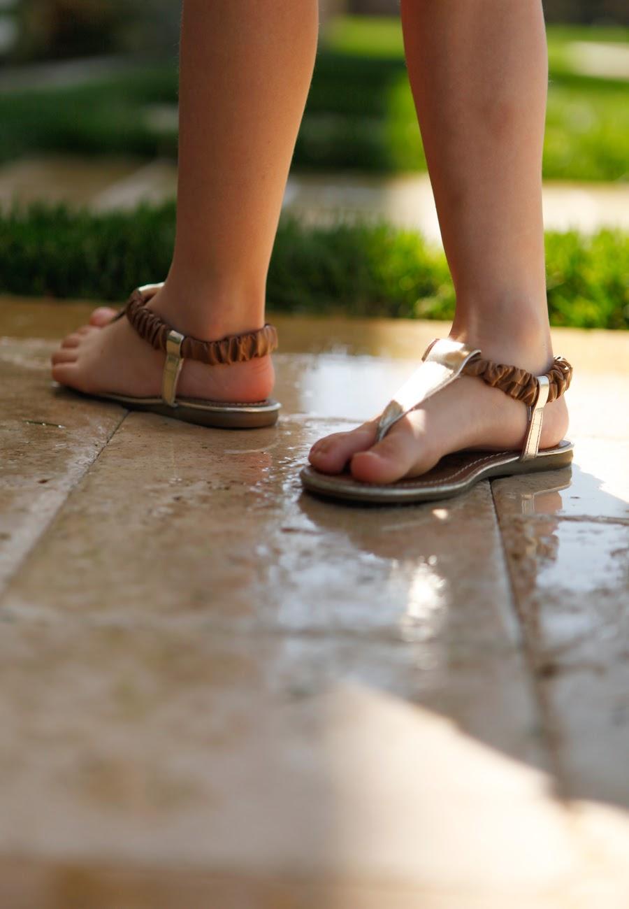 gold girls sandals
