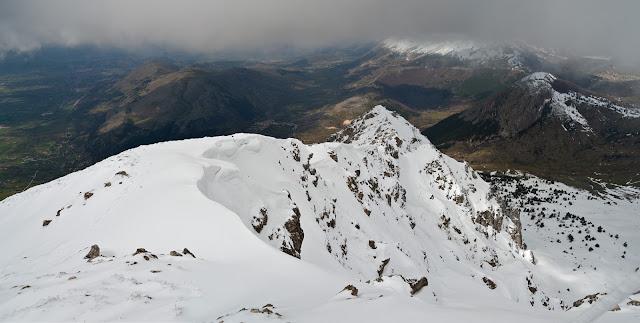 Panorama dalla vetta della Serra di Celano, verso la cresta ovest