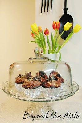 """""""Gold Rush"""" inspired Pay Dirt Cupcakes - Beyond the Aisle"""