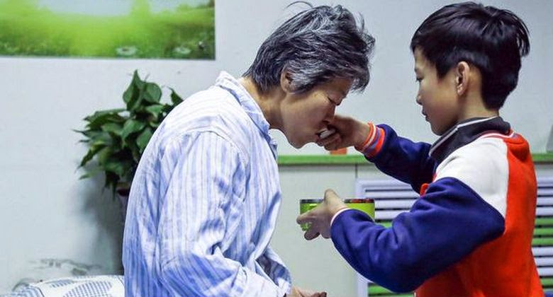 Demi Pemulihan Nenek, Bocah 10 Harus Berhenti Sekolah Dan Merawatnya