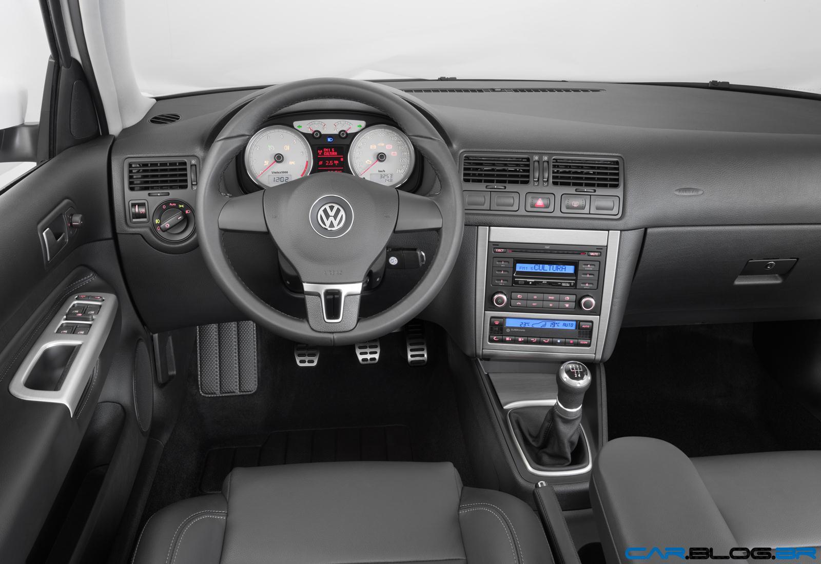 VW Golf 1.6 Sportline - sucesso de vendas