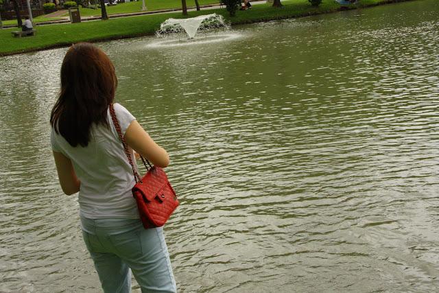 girl lumpini park