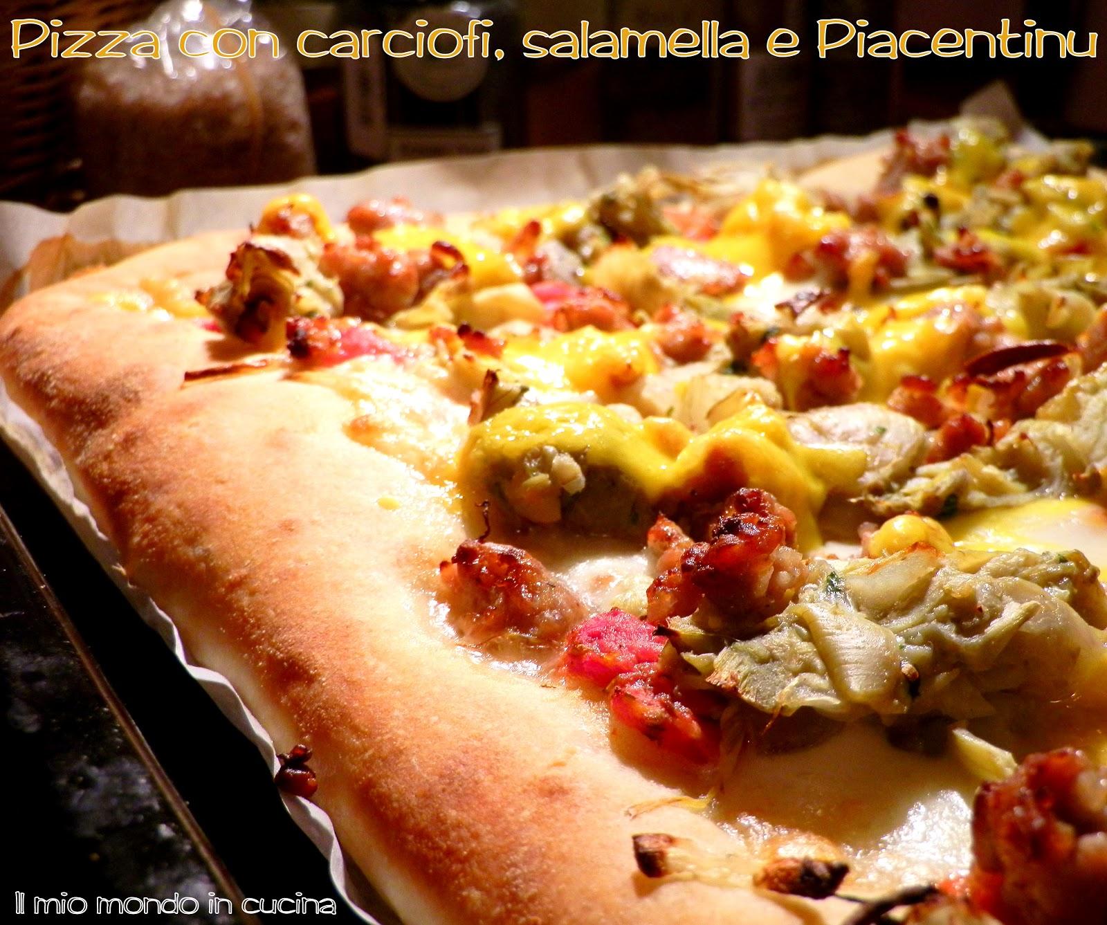 Pizza Con Salamella Carciofi E Formaggio Piacentinu
