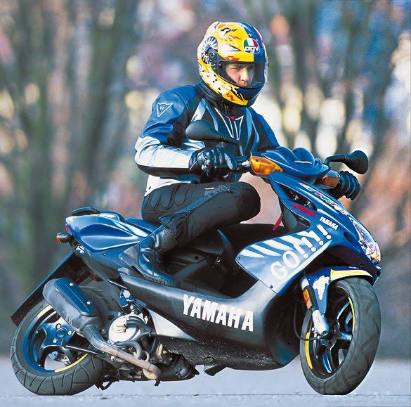hot moto speed yamaha aerox 50cc. Black Bedroom Furniture Sets. Home Design Ideas