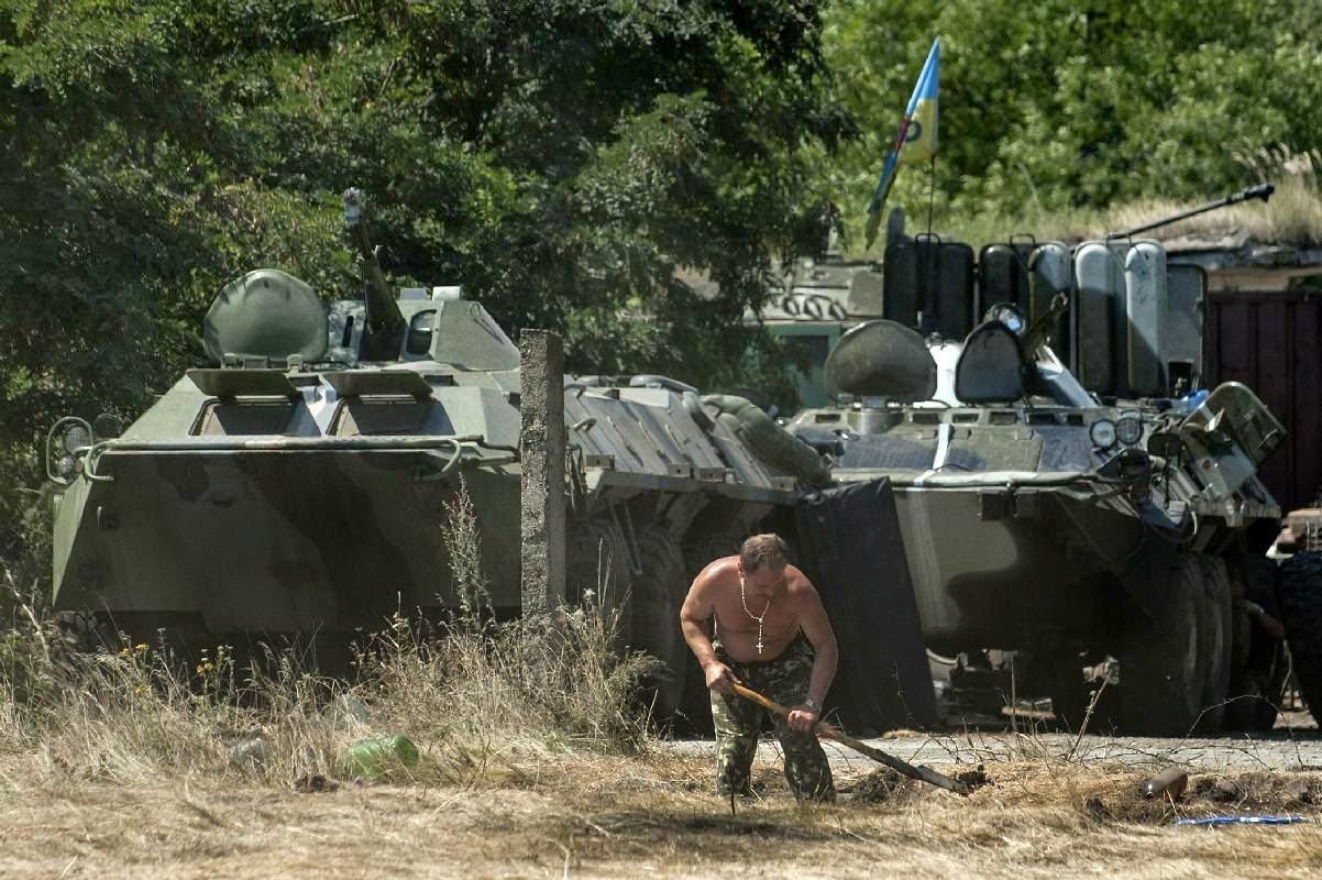 Ukrianian soldiers rebel war