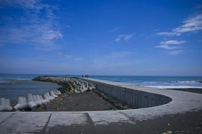 Pantai Glagah di Kulon Progo Yogyakarta
