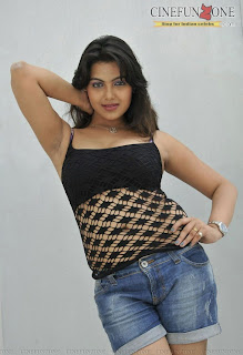 priyanka-tiwari-hot-stills-9869.jpg