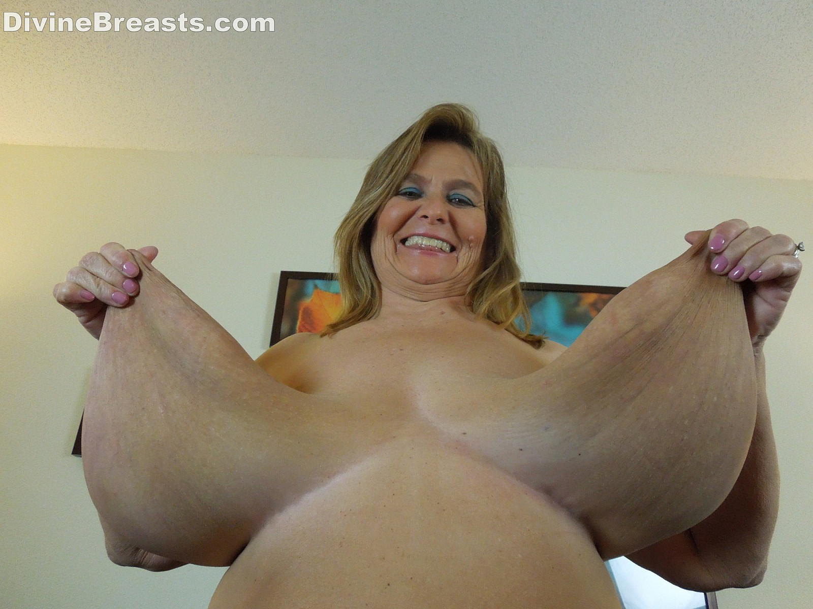dangling tits mature heavy saggy Huge hanging