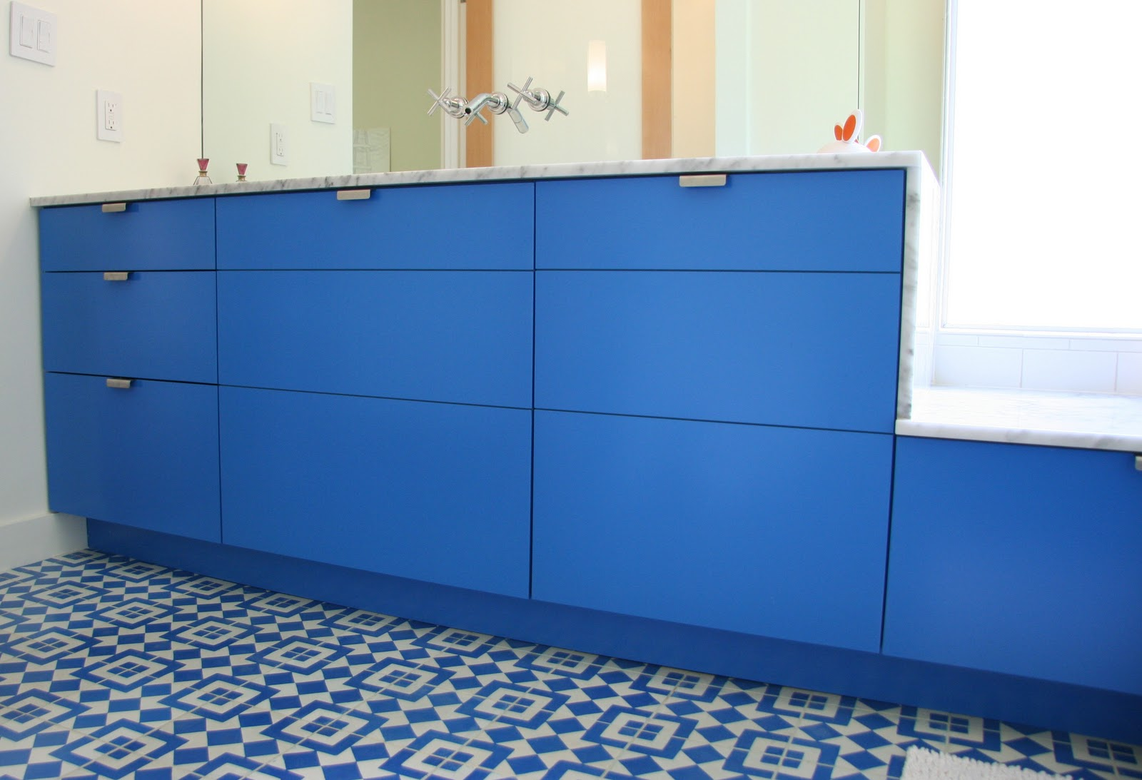Semihandmade recent ikea kitchens for Ikea kitchen cabinets in bathroom