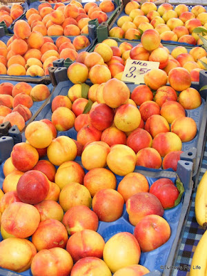 Nectarines on al Market
