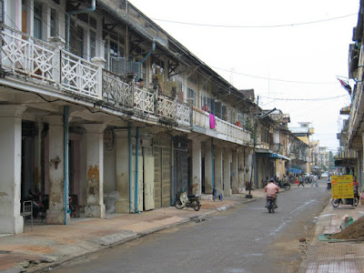 battambang-rue-architecture-coloniale