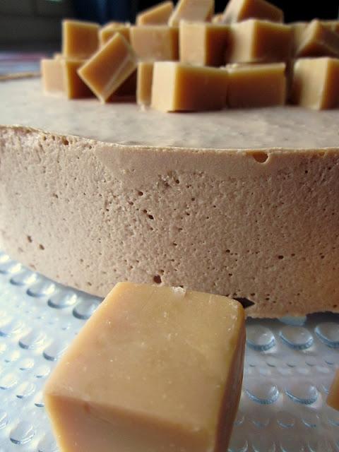 Toffeemoussekakku – Butterscotch Mousse Cake